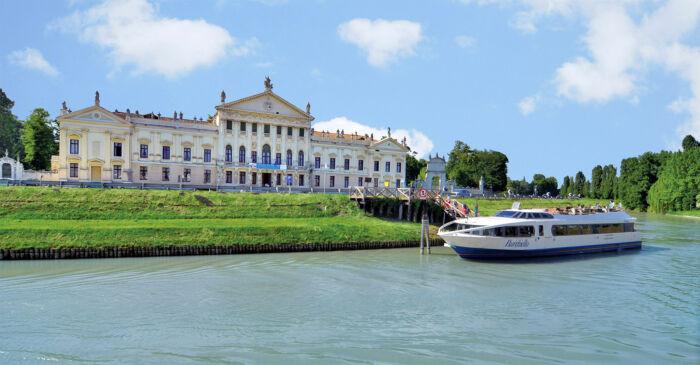 Tour der venezianischen Villen auf der Faehre